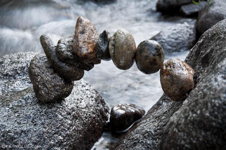 Galeria -Kamienne rzeżby przeczą prawom grawitacji