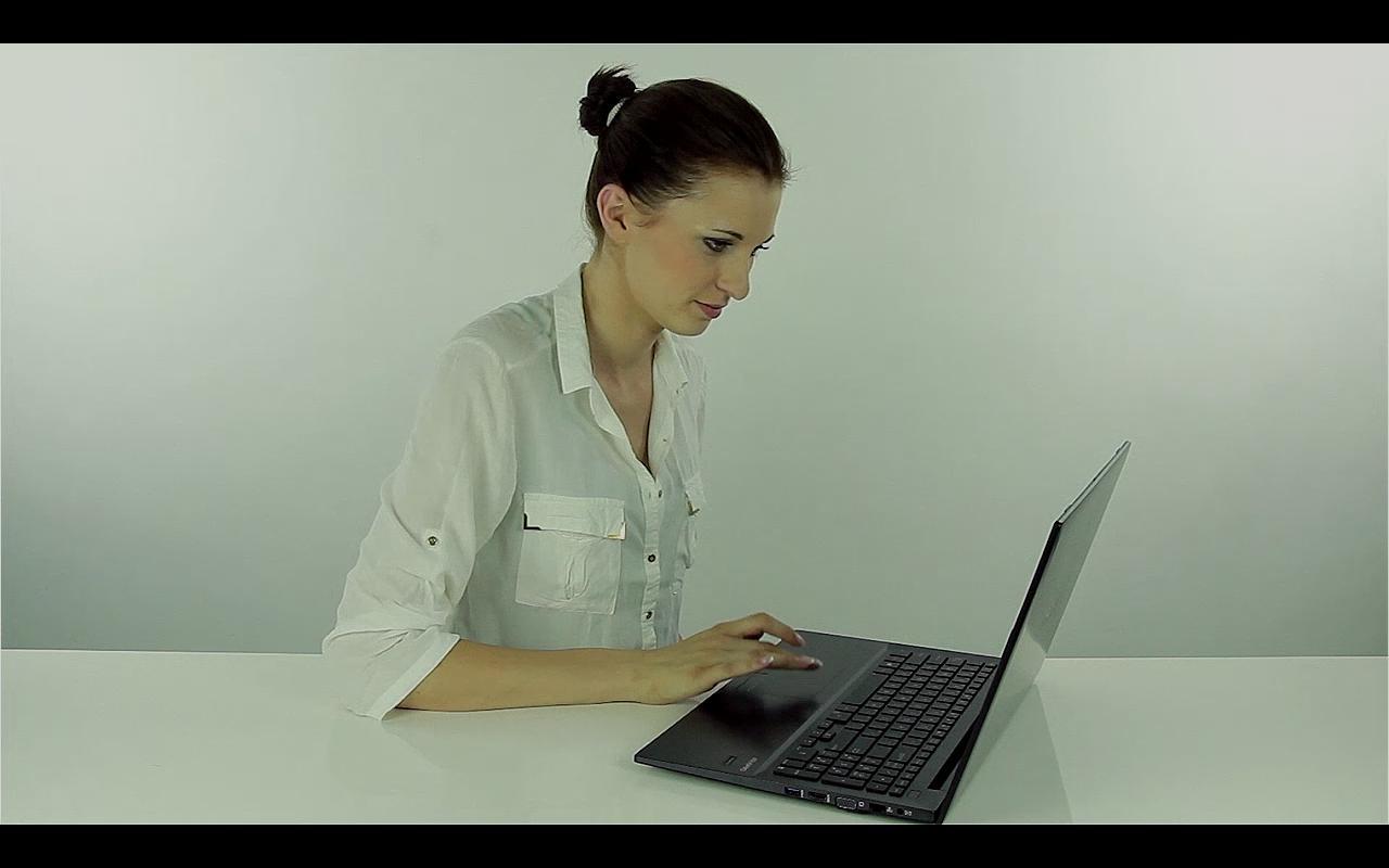 Laptop, który wytrzyma upadek i zalanie wodą!