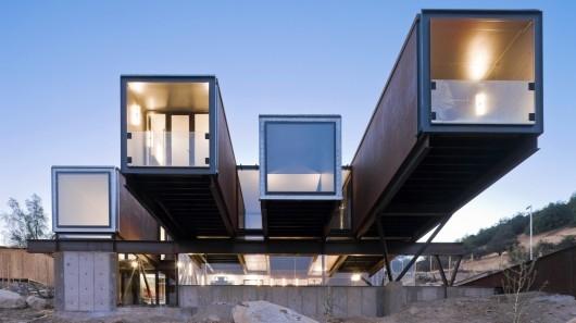 Dom zbudowany z kontenerów