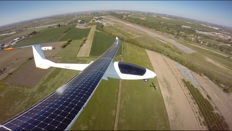 The Sunseeker Duo - słoneczny samolot
