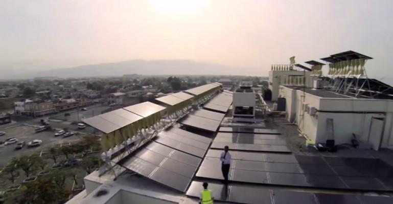Największy na świecie projekt hybrydowej energii odnawialnej powstał w Jamajce