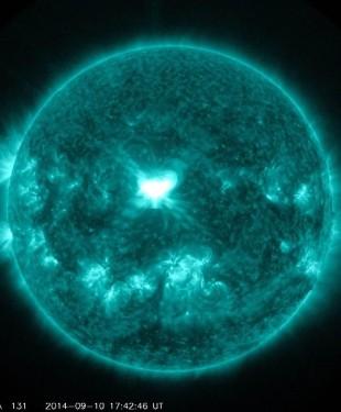 140910-xflare_6d4a18ac3f454ed34f9e4474977003cd.nbcnews-ux-920-900