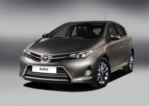 large_new_toyota_auris_02_2012