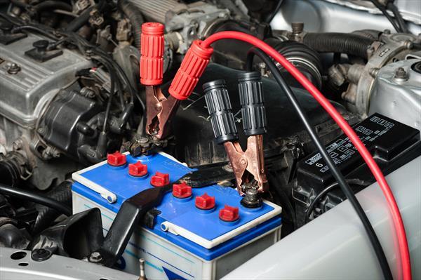 Jak samodzielnie wymienić akumulator w aucie?