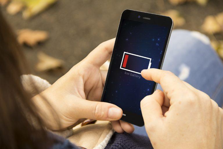 Co zrobić, by bateria w smartfonie działała dłużej?