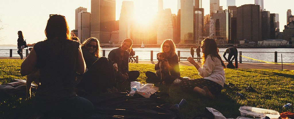 Nie martw się: prawdopodobnie nie masz mniej znajomych niż inni