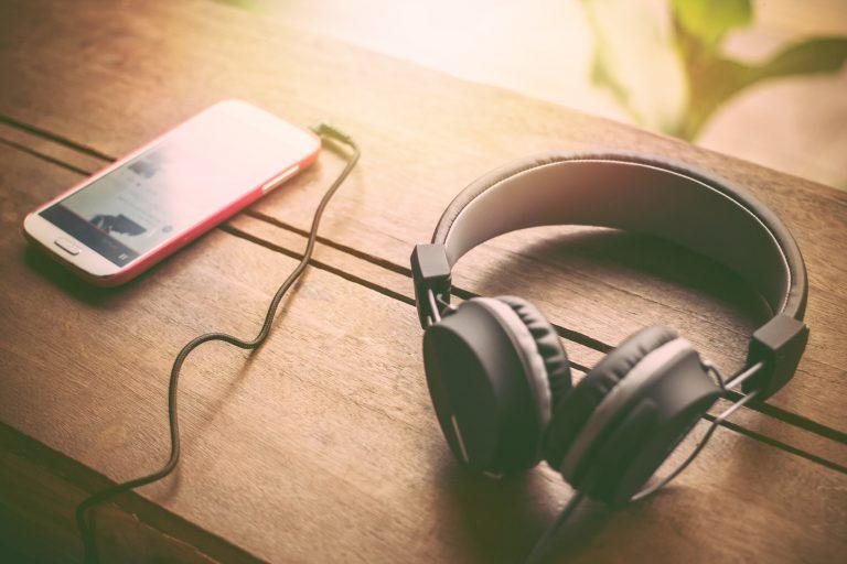 Polecane serwisy strumieniujące muzykę – TOP 3