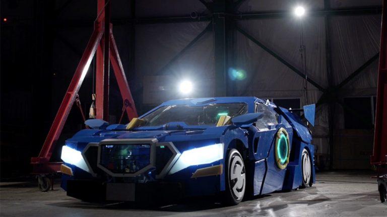 """Z samochodu w robota. Zbudowano """"prawdziwego"""" Transformersa!"""