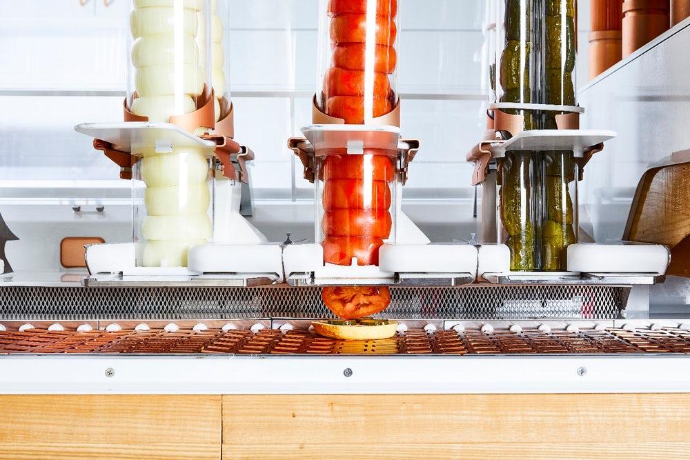 creator-robotized-burger-restaurant-3