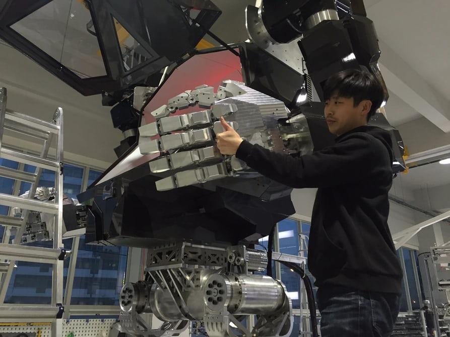 vitaly-bulgarov-korean-mech-robot-suit-10