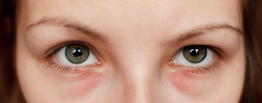Oczy zdradzają każde kłamstwo? Nowe badania psychologów